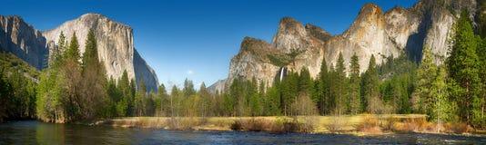 Yosemite dal och merced flod Arkivfoto