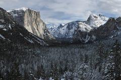 Yosemite dolina od Tunelowego widoku Fotografia Royalty Free