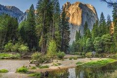 Yosemite en la salida del sol foto de archivo libre de regalías