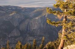 Yosemite Falls in autunno Immagini Stock Libere da Diritti