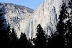 Yosemite Falls, cittadino, parco, vista di California dal villaggio del curry Immagini Stock