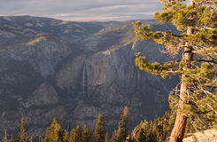Yosemite Falls en automne images libres de droits