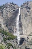 Yosemite Falls en stationnement national de Yosemite images libres de droits