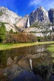 Yosemite Falls fjädrar Arkivbilder