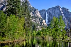 Yosemite Falls and Merced River Royalty Free Stock Photos