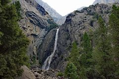 Yosemite Falls an Yosemite Nationalpark USA Lizenzfreies Stockbild