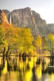 Yosemite Falls nella primavera Fotografie Stock Libere da Diritti