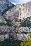 Yosemite Falls in parco nazionale di Yosemite Fotografia Stock Libera da Diritti