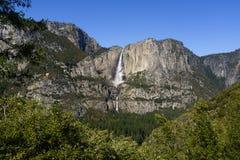 Yosemite Falls in parco nazionale di Yosemite in primavera Fotografia Stock