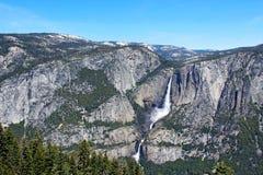Yosemite Falls Yosemite nationalpark Royaltyfri Fotografi