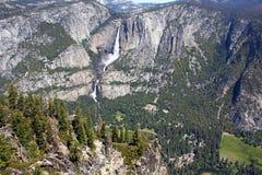 Yosemite Falls Yosemite nationalpark Royaltyfri Bild