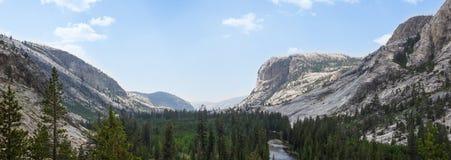 Yosemite - Glen Aulin Valley lizenzfreies stockbild