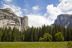 Yosemite National Park on a sunny day Royalty Free Stock Photos
