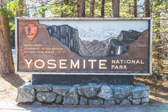 Yosemite Nationalpark unterzeichnen herein den Eingang, Kalifornien, USA Stockfotografie