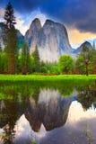 Yosemite oscille la réflexion Photo libre de droits