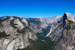 Yosemite park narodowy, widok Przyrodnia kopuła od lodowa punktu przy półmrokiem zdjęcia royalty free