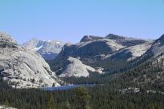 Yosemite parkerar - Kalifornien Arkivfoton