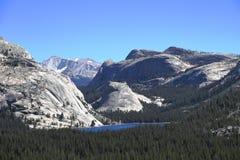 Yosemite parkerar - Kalifornien Arkivbild