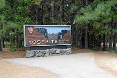 Yosemite sign, Sierra Nevada Mountains Royalty Free Stock Images
