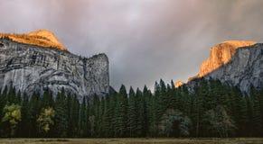 Yosemite-Sonnenuntergang Lizenzfreies Stockfoto