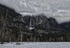Yosemite spadków zimy burza obraz stock