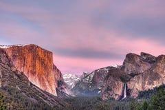 Yosemite-Tal am Sonnenuntergang Lizenzfreies Stockbild
