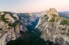 Yosemite-Talansicht Lizenzfreies Stockbild