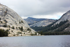 Yosemite Tenaya Lake. And surrounding mountains Royalty Free Stock Photo