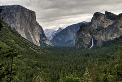 Yosemite Valley. A view of Yosemite Valley on a cloudy day Royalty Free Stock Photo