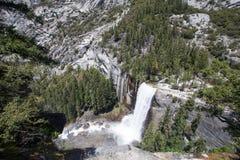 Yosemite-Wasserfall-Vogelperspektive Stockfotos