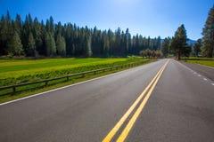 Yosemite Wawona vägrutt 41 i Kalifornien Arkivfoton