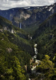 Yosemite& x27;s Iconic Bridal Veil Falls at the End of the River Stock Photos