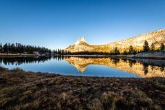 Yosemites backcountry an der goldenen Stunde lizenzfreies stockbild