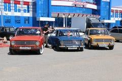YOSHKAR-OLA, RUSIA, EL 2 DE JUNIO DE 2019: Exposición del auto y de la motocicleta - festival - exposición de la CUMBRE 2019 de Y imágenes de archivo libres de regalías
