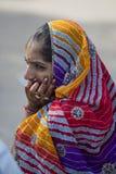 Youg indisk flicka med Henna Decorations Royaltyfri Fotografi