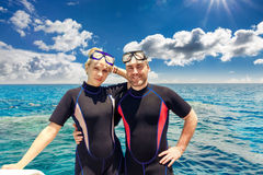 Young adult couple in beach resort Royalty Free Stock Photos