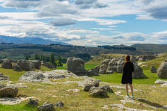 Young adult woman enjoy the majestic view of Elephant Rocks Royalty Free Stock Photos