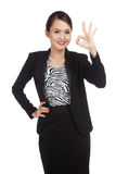Young Asian business woman show OK sign Royalty Free Stock Photography