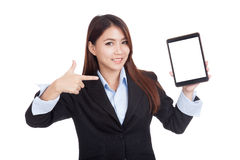 Young Asian businesswoman point to  tablet pc Royalty Free Stock Photos