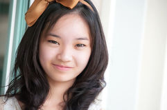 Young asian chinese woman smiling Royalty Free Stock Photography