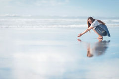 Young attractive woman posing at amazing New Zealand beach Royalty Free Stock Photography
