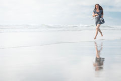 Young attractive woman posing at amazing New Zealand beach Royalty Free Stock Photos
