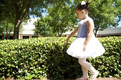 Young ballet dancer outdoors Royalty Free Stock Photography