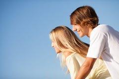 Young beautiful couple enjoying a summer day Royalty Free Stock Photos