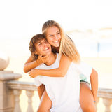 Young beautiful couple enjoying a summer day Stock Photography