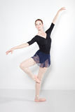 Young beautiful dancer posing on a studio Royalty Free Stock Photography