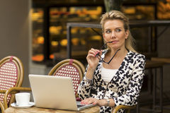 Young beautiful woman with laptop. Royalty Free Stock Photos