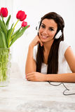 Young beautiful woman listening to music Royalty Free Stock Photography