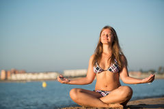 Relaxing yoga girl Royalty Free Stock Photography
