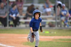 Free Young Boy Playing Little League Baseball Stock Photos - 117839393